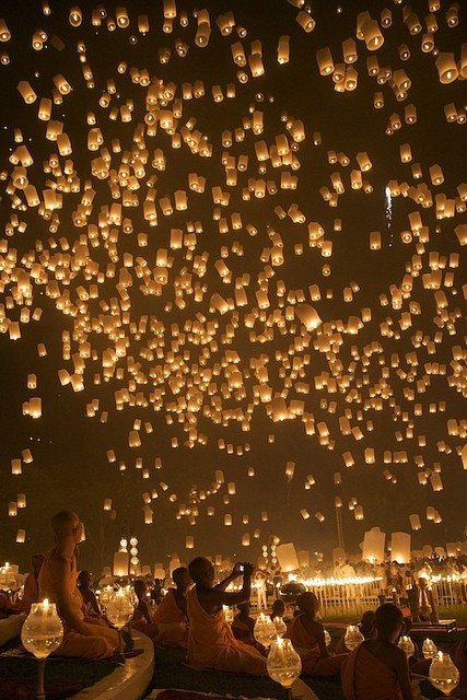 Floating Lanterns, Chiang Mai, Thailand photo via emma