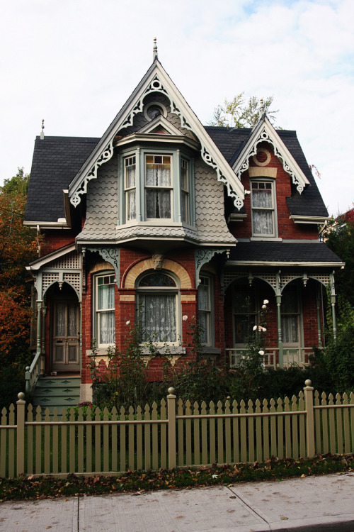 concept-of-karma:  Classic Cabbagetown Victorian (by pic_snapper)