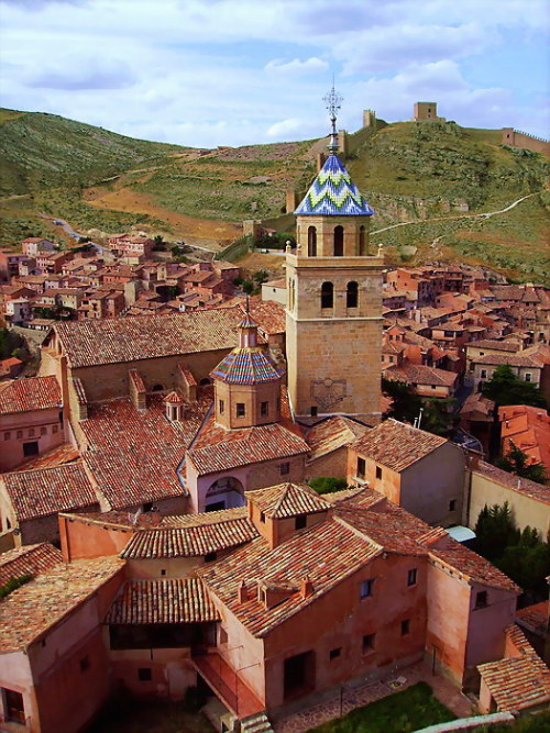 evysinspirations:  (via Albarracin, a photo from Teruel, Aragon | TrekEarth) Albarracin, Aragon, Spain
