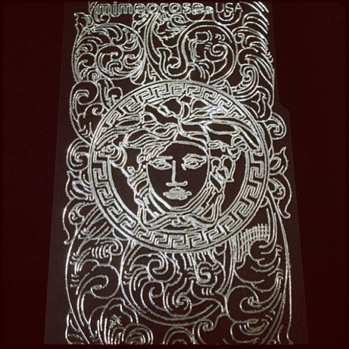 #Versace anyone?! @mimeocase puts it down to protect your #ip5 #galaxy and other beloved devices. #protection #case #fashion #jewelry