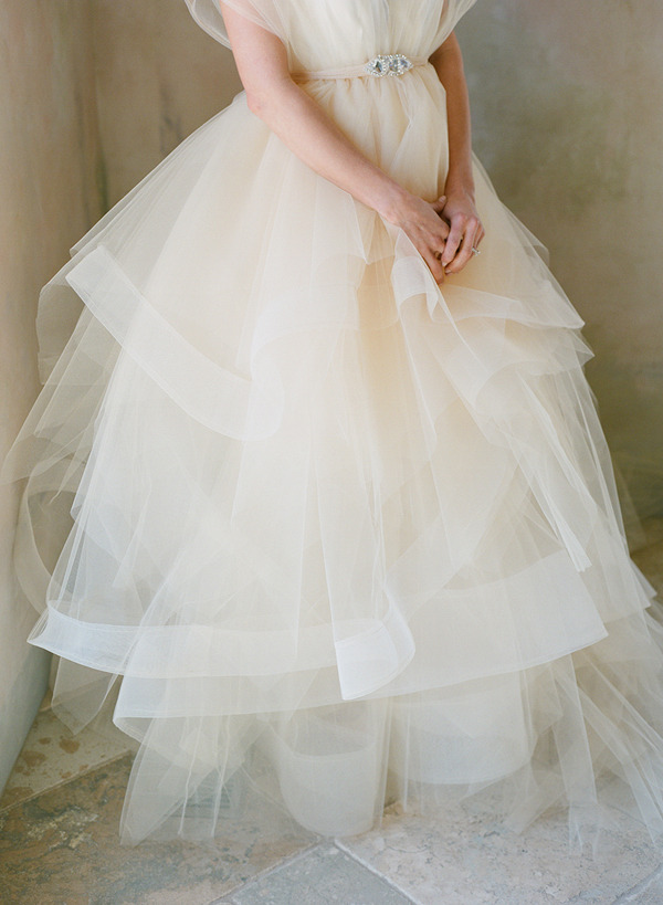 all-things-bright-and-beyootiful:  Chaviano Couture photographed by Melissa Schollaert
