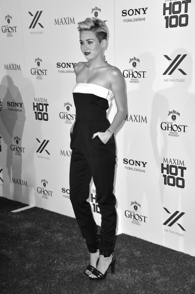 senyahearts:  Miley - Maxim Hot 100 Party