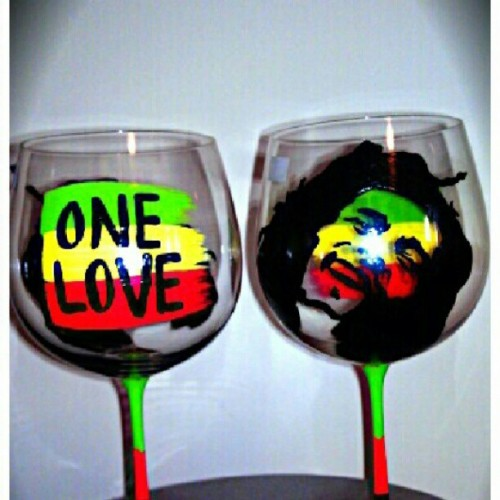 #BobMarley hand painted on #RedWine Glass by @365Greymatters #customized #Handpainted #handcrafted #winelovers #vino #reggae www.Facebook.com/365Greymattersdesigns
