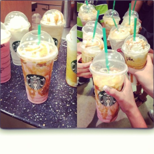 HAPPY HOUR AT STARBUCKS. 😍😍💘💘 #Delish