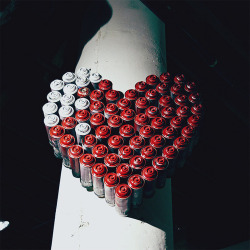 visuals-of-my-mind:  Spray love