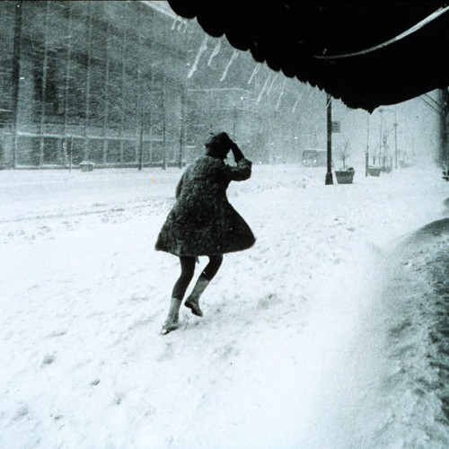 Manhattan, 44 years ago today, when a nor'easter dumped 16 inches. feb 9, 1969. #nofilter #nyc #blizzard. via Wikipedia: http://sv.m.wikipedia.org/wiki/Fil:Miniskirts_in_snow_storm.jpg (at Manhattan, NY)