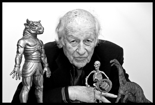 2headedsnake:  R.I.P.  Ray Harryhausen Harryhausen was best known for his stop-motion animation for films such as 'Jason and the Argonauts', Mighty Joe Young' and 'Clash of the Titans'. He was 92. I had the good fortune to meet him and his wife at an animation festival in Japan in 1998. They were such warm and gracious people.