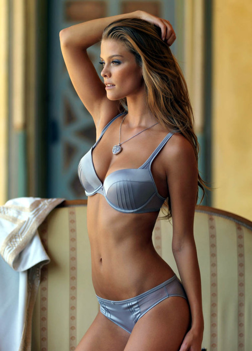 dystopiantt:  i-really-love-women:  Nina Agdal  Nina-Agdal