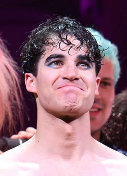 DarrenIsHedwig - Pics and gifs of Darren in Hedwig and the Angry Inch on Broadway. - Page 2 Tumblr_nrsvuhYeuL1s9mvn1o1_250