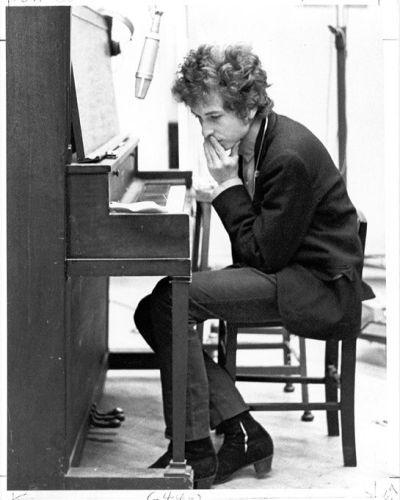 ehrstudio:  Bob Dylan at the piano. http://www.pinterest.com/ehrstud