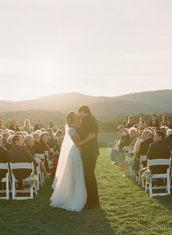 createkrv:  (via Wedding / Pippin Hill Outdoor Wedding)  oh, this back drop —