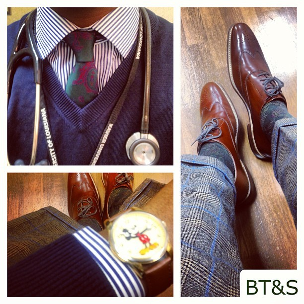 Today's Work Duds… #TieFriday #NeckTieFriday #menswear #mensfashion #igfashion #menstyle #mensclothing #bowtie #bowties #wiwt #whatiworetoday #outfitoftheday #gq #fashion #blackfashion #styleambassadors #ootd #batonrouge #neworleans #lsu #su #xula #nola #tag4likes #bowtiesandsneakers #ootdmagazine #ijustlikeshoes #tag4likes #lapel #lapelpin  #mensstyle #blackmenwithstyle #gentslounge