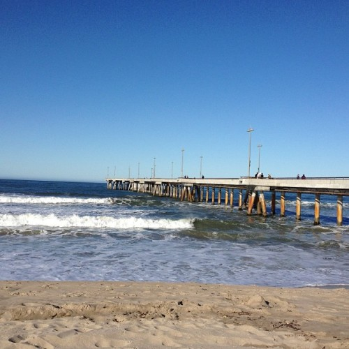 Morning beach run #nofilter (at Venice Beach Pier)
