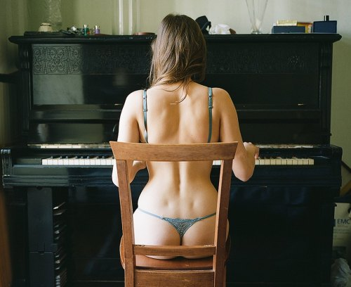 Sing us a song.. pianogirl