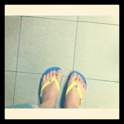 going home with my new flipsss!:) #myoh2013 #neoncolor
