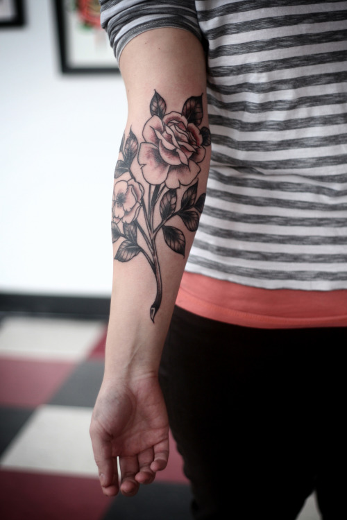 fuckyeahtattoos:  black and grey roses by alice carrier, at anatomy tattoo in portland, oregon.