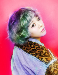 "SNSD's Sunny got chosen as the ""female idol that looks pretty and handsome""! what do you think? click for more NEWS or KPOP"