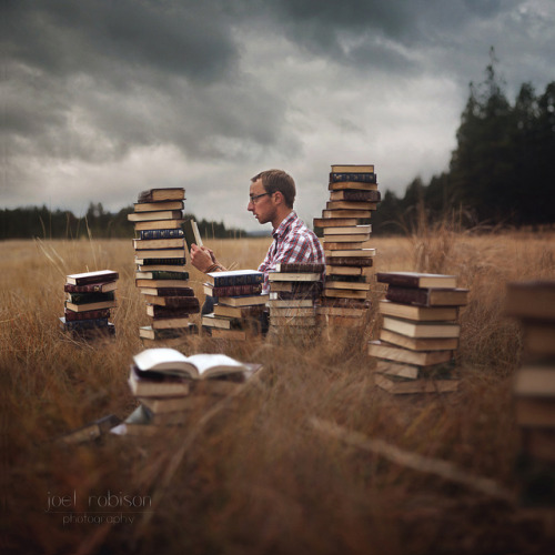 bookporn:  Build These Walls Page by Page by Joel Robison - Boy_Wonder on Flickr.