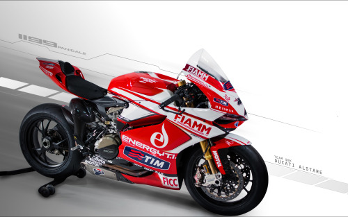 This is the 1199 Panigale that will be ridden by Carlos Checa and Ayrton Badovini in the newly formed Ducati Alstare squad.