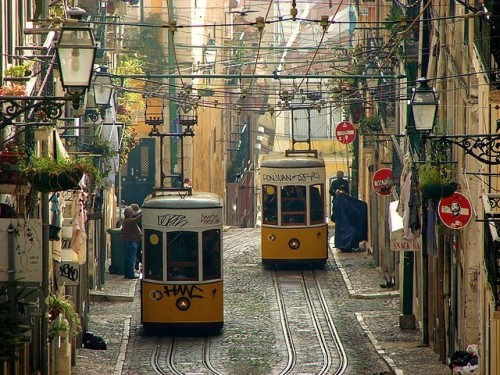 travelthisworld:  Elevador da Bica ♦ Lisbon, Portugal | by felber