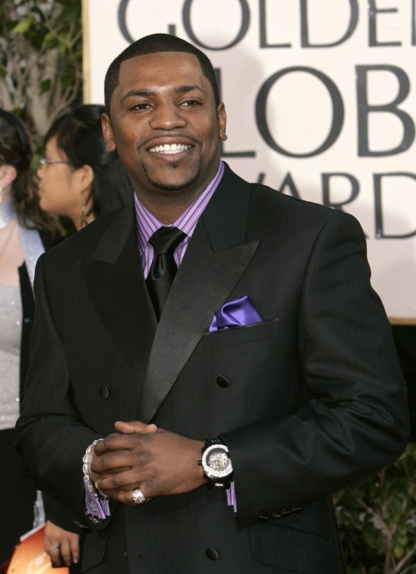 "mstarzcom:  Mekhi Phifer Marries Reshelet Barnes: 'Paid In Full' and 'ER' Star Weds Longtime Girlfriend in Easter Weekend Ceremony 38-year-old actor Mekhi Phifer just married his longtime girlfriend, Reshelet Barnes, in an Easter weekend ceremony yesterday. On Saturday, the two entertained about 100 guests at their reportedly ""stunning"" wedding at the Montage Hotel in Beverly Hills, California. The couple both wore white for the ceremony, which apparently lasted 15 minutes but left an impression on the guests and the couple. Mekhi walked out to Stevie Wonder's ""Ribbon in the Sky,"" while Barnes went with the traditional ""Here Comes the Bride."" According to a wedding guest's account of the ceremony to E! News: Read more at MStars"