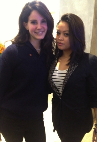 EEEEEEEK! I love my roommate.  She has an awesome job.  She met LANA DEL REY today (again) and sent me a pic AND GOT AN AUTOGRAPH! I still have yet to meet Ms. Lana BUT I believe we're friends already!  Thanks K and Lana!!
