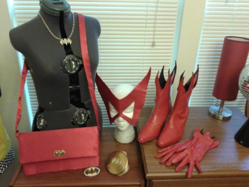 thatdjspider:  A girl has to have her accessories, right? (Necklace, earrings, purse, compact, gloves, boots and mask for Silver Age Batwoman complete)