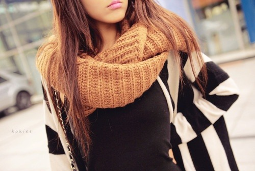 ACCESSORIES my way / Chunky cowl scarves. on We Heart It. http://weheartit.com/entry/62141274