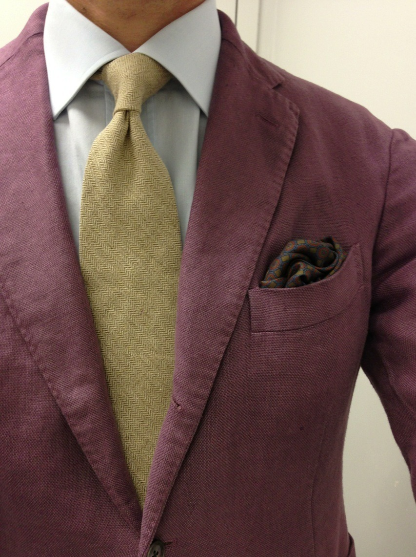 Damn, that's purple. Not as intense IRL, but yeah. New jacket.   Boglioli washed cotton lilac SC Battistoni shirt Exquisite Trimmings slubby silk herringbone tie Robert Talbott PS Creed Royal Scottish Lavender