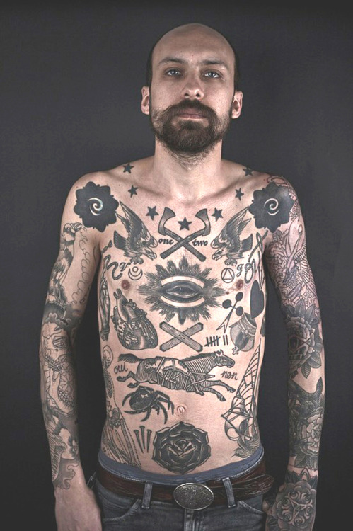 thievinggenius:  Tattoos done by Thomas Hooper.