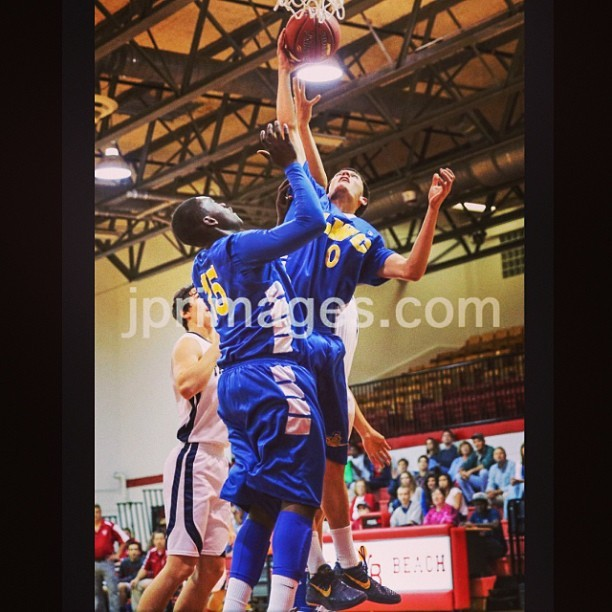 Gonna miss these High School games. @jamaal_29 #basketball #HighSchool #Sports #kobe #kobesystem #LWC #blueandyellow #Spaulding #rebound #filter #bounce #GetUp #playoffs #regionals #live #flashback #memories #wayback