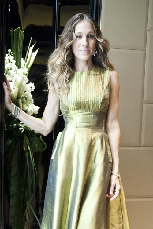 "womensweardaily:  Sarah Jessica Parker Named Ambassador for Philippine's SM Aura Photo by Sharron Lovell For days, teasers proliferated the Facebook page and Twitter of leading Philippine department store chain SM, asking ""Guess Who'd Love to Shop at The SM Store Aura?"" It turned out to be Sarah Jessica Parker, who left her punk princess mohawk in New York and arrived two days ago in Manila, make-up free and dressed casually for the tropical weather.She came as guest of honor and the global face of The SM Store Aura, a new next-generation premium retail concept from the country's mall development giant, SM Prime.  For More"