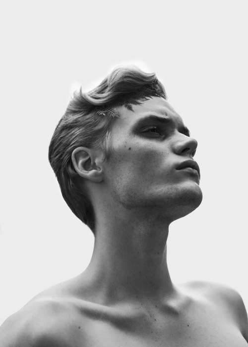 bookofboys:  Kristian Silis by Iga Drobisz