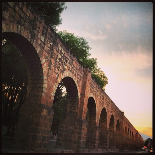 #morelia #acueducto #arcos #architecture #arquitectura #colonial #atardecer #lateafternoon #beautiful #top #city #famous #michoacan #méxico #mexican #popular #followme