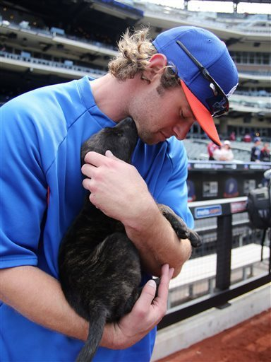yagottabelieve:  It's Kirk Nieuwenhuis. With a puppy.