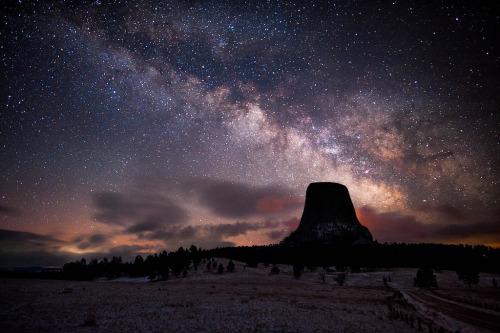 Devils Tower Milky Way, Wyoming (by David Kingham)