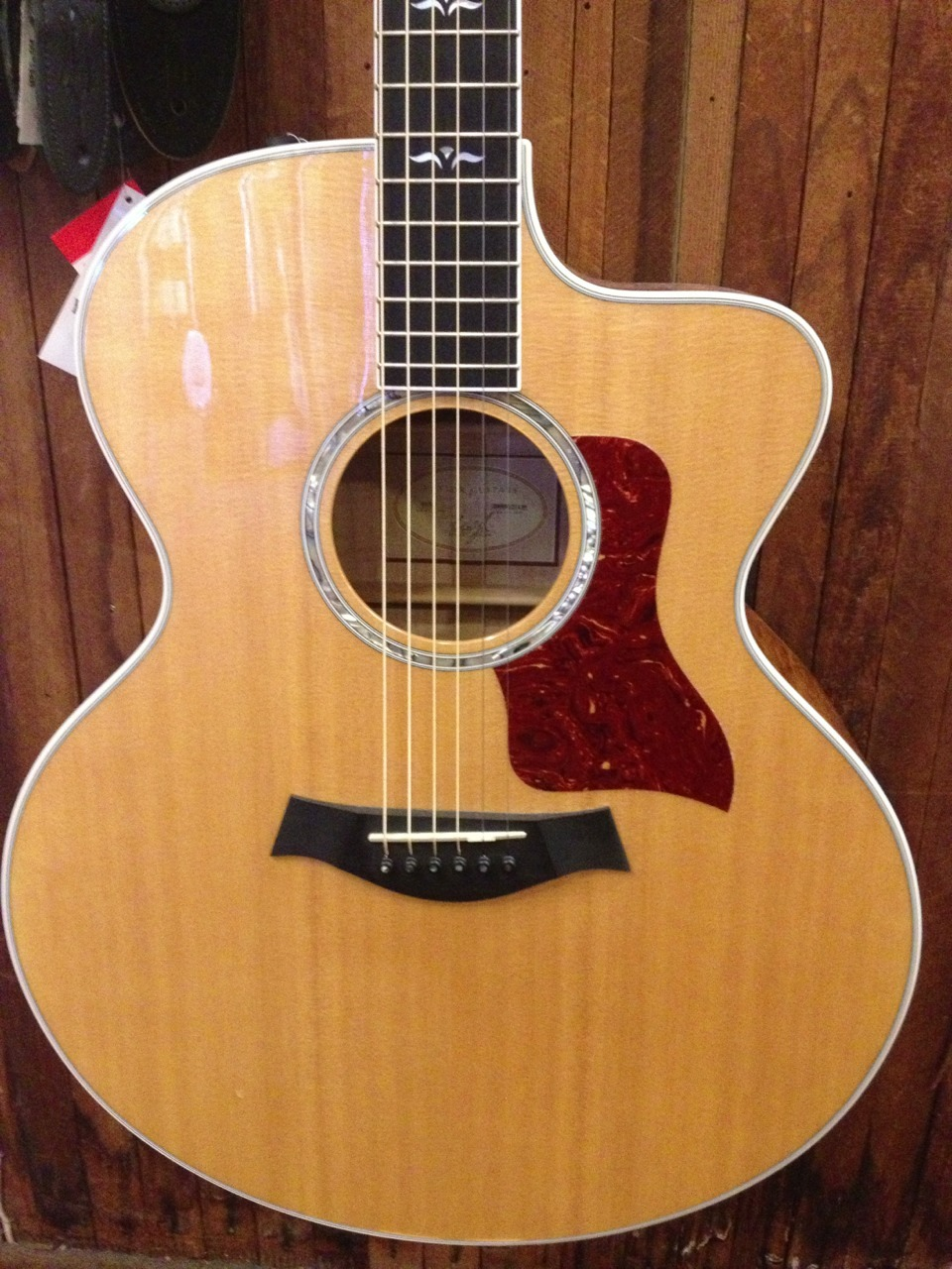 Taylor 615-CE Pre-Owned w/Case Maple/Sitka Spruce Price: $2595.00