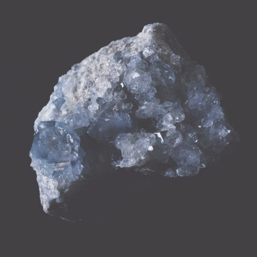 fugaciousassemblage: Celestine or celestite (SrSO4) is a mineral consisting of strontium sulfate. The mineral is named for its occasional delicate blue color. Celestine is the principal source of the element strontium, commonly used in fireworks and in various metal alloys.✨