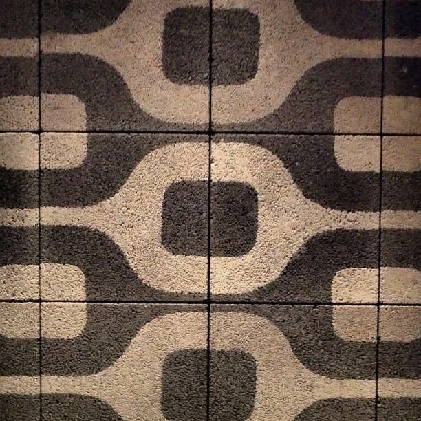 #pattern #tile #texture #gometric #funky #70s #shapes #bw #wall #wallporn #architecture #decoration #vintage #retro