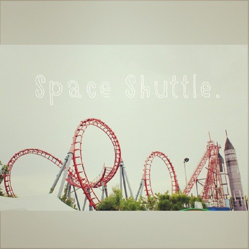 laceyfashionista:  Space shuttle.