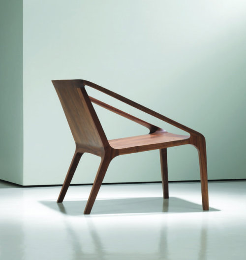 surplus-mag:  Loft Chair by Bernhardt Designs A great looking chair that's so different from what you can find at the run-of-the-mill furniture stores.
