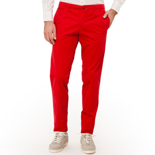 Perfect for this season, these bold Hartford chinos are an effortless choice for sophisticated summer style. Designed with European flair and balanced with a casual American vibe, these pants are ideal for making a lasting impression during any occasion. Shop Hartford at http://www.ikkon.com/hartford