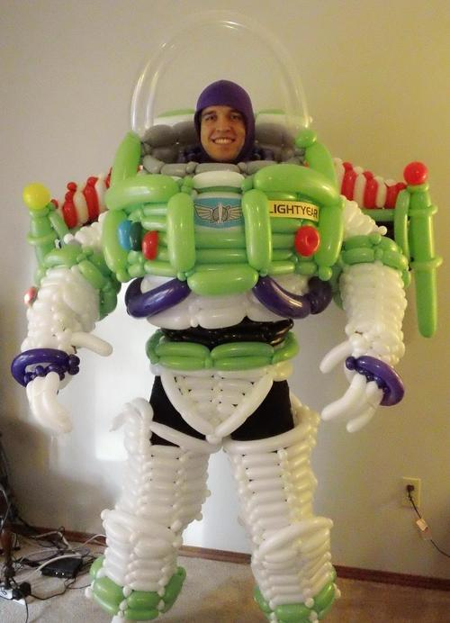 niknak79:  Balloon Buzz Lightyear Costume