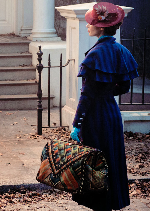 emily blunt emilybluntedit ebluntedit mary poppins returns mine