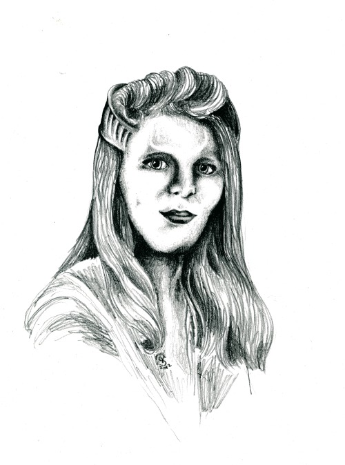 gahyia:  Delenn from Babylon 5. A pencil drawing i made last year.