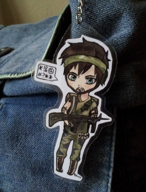 that-kid-that-does-stuff:  A Frank Woods chibi keychain made by myself~ Because TELLING people that I love Call of duty just isn't enough! ;D I want to do another one of Ghost and Soap now. And maybe Mason too.. Just because.. <3