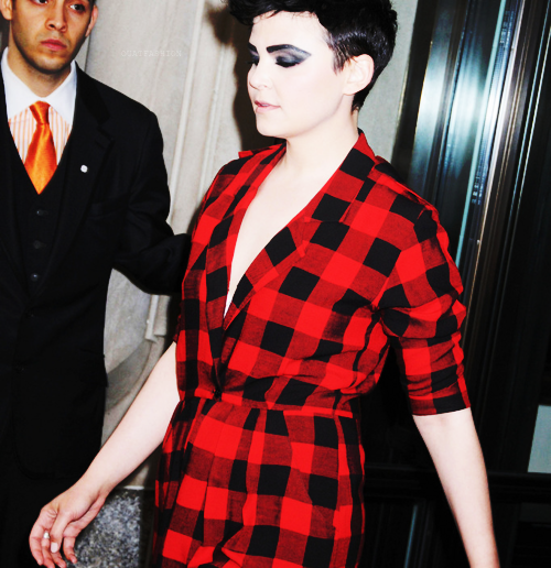 Ginnifer wearing plaid after the Met Gala (because of the eye make-up)!