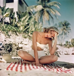 funnster:  Grace Kelly
