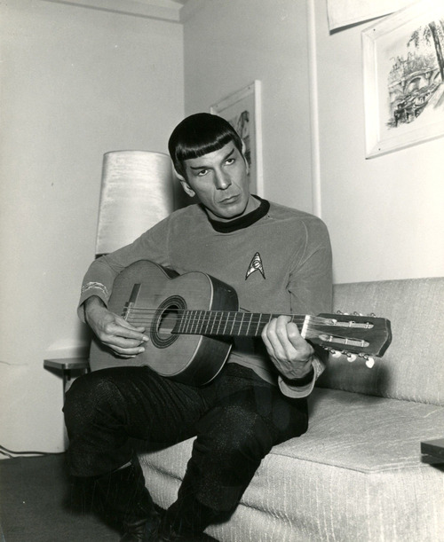 SPOCK + GUITAR : MY TWO WORLDS COLLIDE!