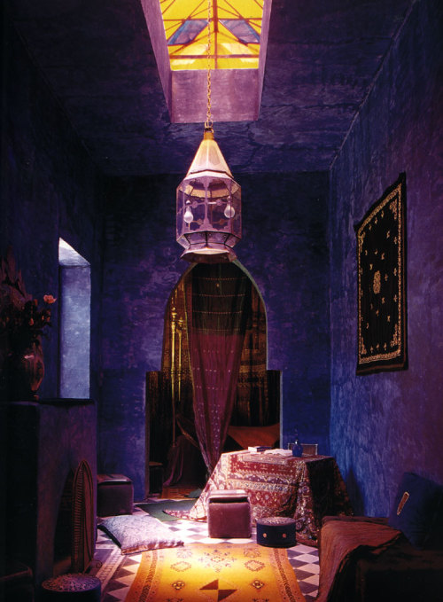 starryeyedmariam:  Your perfect Moroccan themed living area. Photographer unknown.